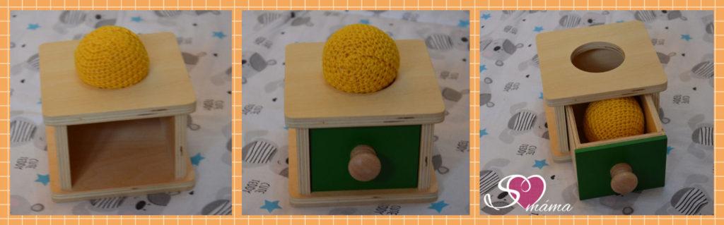 Froebelův první dar - vhazování/vtlačování kuličky do krabičky
